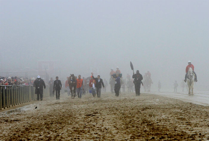 fog before the 2018 preakness