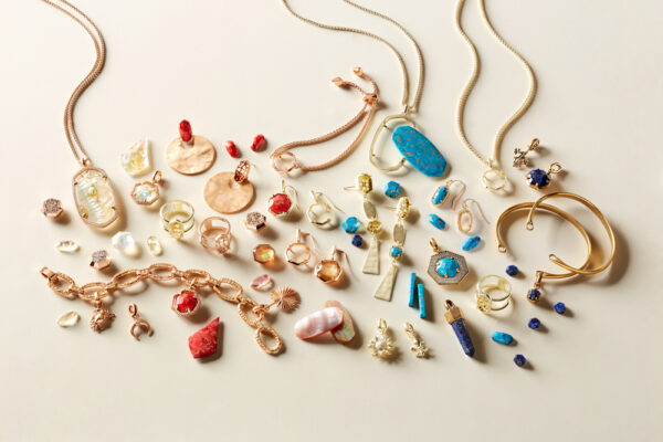 Kendra Scott Gives Back to the TAA